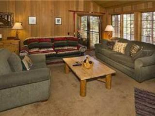 Couch,Furniture,Indoors,Room,Table