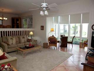 Poolside Large Garden Unit A, Siesta Key