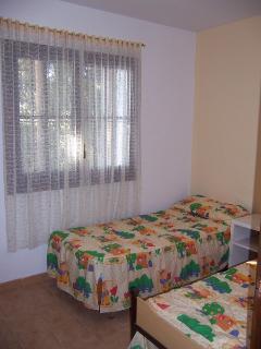 Habitación con dos camas individuales en planta baja