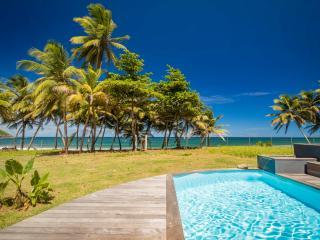 Ecolodge avec piscine, seul sur une plage sauvage