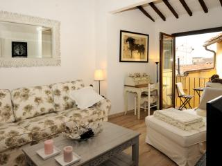Elise Holiday Home - City Centre - AC-WiFi-Balcony, Florence