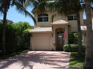 New luxury townhome private pool, 1 block to beach, Lauderdale by the Sea