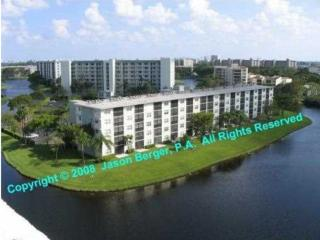 FLORIDA fully furnished Condo with Waterfront view, Pompano Beach