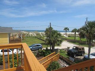 Salty cottage 5 BR oceanview steps to beach, Saint Augustine