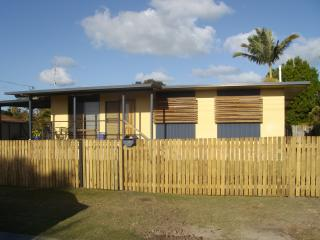 BONEANZA Pet Friendly Holiday House, Urangan