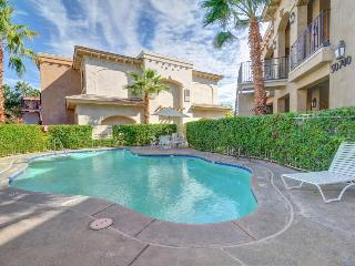 Elegant home with shared pool and hot tub!, La Quinta