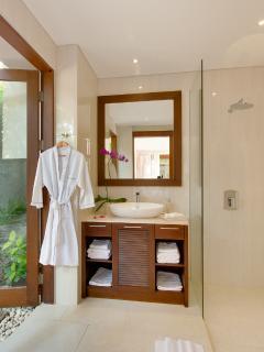 Bathroom at guest bedroom with indoor and outdoor shower