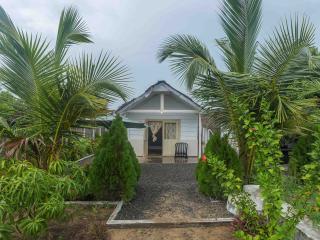 Thaiyoob's Villa, Pottuvil