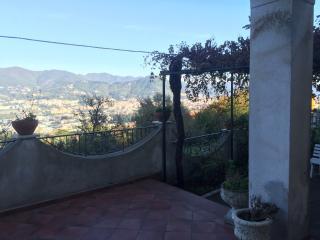 Villetta con giardino panoramica
