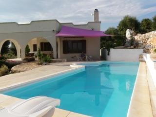 OSTUNI, PUGLIA ITALY LUXURY VILLA WITH POOL, Ostuni
