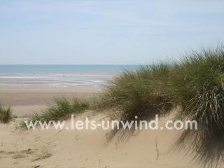 The Salty Dog is just a few minutes walk from miles of sandy beach and dunes.
