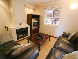 210 DeWaterkant Piazza Apartment, Cape Town Central
