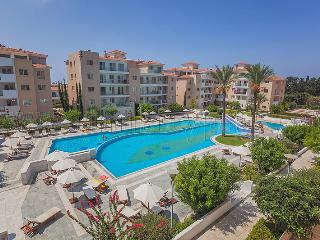 3 Bedroom Apartment in Elysia Park, Paphos