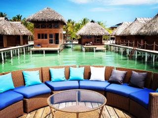Double Over-the-Water Bungalow in Paradise, Isla Bastimentos