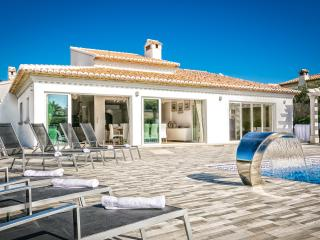 Private Luxury Villa Casa Sueños II Wifi - AC - Hot Tub Spa - No booking Fees