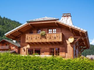 Chalet Carving - Simply Morzine