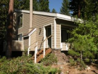 Comfortable Forest Pines Condo Sleeps 8 ~ RA3512, Incline Village