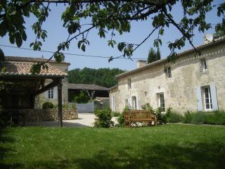 Gîte La Fleur Godard, gîte de charme à St Cibard, Saint-Cibard