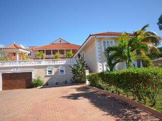 Glorias Chateau, Montego Bay 7BR, Ironshore