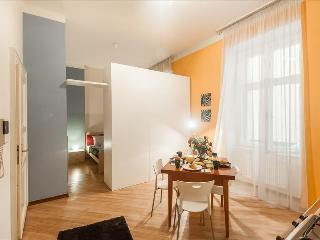 M2. An apartment in best location!, Prague