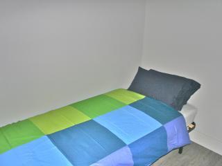 Cozy Petite Room in Trendy Gracia, Barcelona