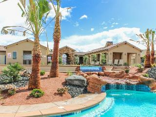 Charming casita with access to shared pools, a hot tub, and fitness center!