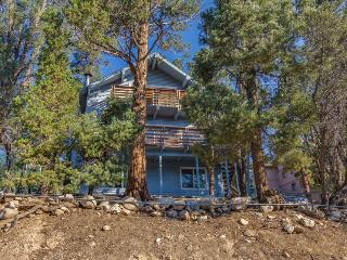 Five bedrooms and great amenities await up to 15 guests, Big Bear City
