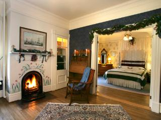 Elmwood Heritage Inn - Cunard Suite Five Star B&B, Charlottetown