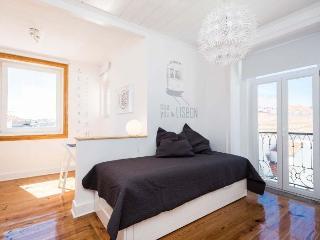Inglesinhos IV A apartment in Bairro Alto {#has_l…
