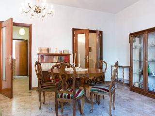 2 BR Nice apt for summer holidays close to beach,, Pescara