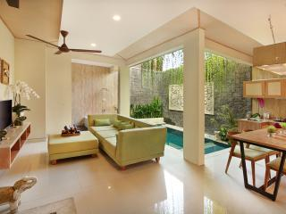 Ini Vie Villa Two Bedroom Private Pool & Hot Tub, Legian