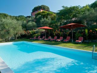 4 bedroom Villa in Lucca, Lucca and surroundings, Tuscany, Italy : ref 2307243