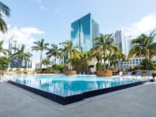 Luxury Getaway in Brickell's One Broadway 2BR Apt!, Miami