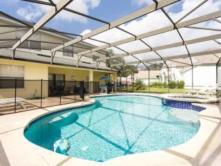 Luxurious 5BR Villa, Davenport