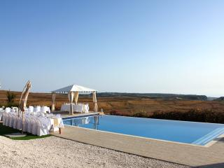 Stunning 6 BR villa, breathtaking views, pool,wifi