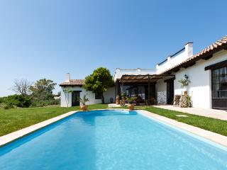 Superb sel-sufficient villa with pool near Vejer de la Frontera