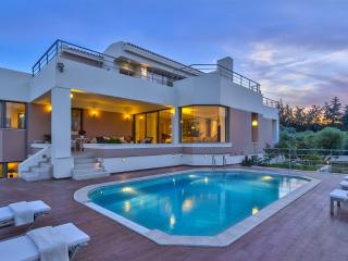 Modea Luxury Villa - 5 bedroom villa in Platanias