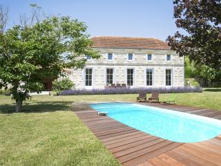 DEMEURE D'ALIENOR, landhuis met charme, Saint Thomas de Conac
