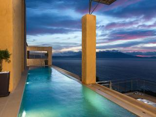 Award winner, luxury  villa,pool,amazing seaview!