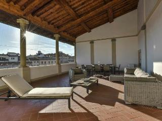 3 bedroom Apartment in San Lorenzo District, Tuscany, Italy : ref 5248163