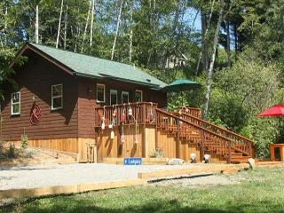 Just Built! Scotty Point Cabin - Secluded & Right on the Coast!, Trinidad