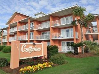 1BR/1BA just steps from the beach!  See the water from the kitchen!, Destin