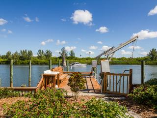 "WATERFRONT HOME ""BOATERS DREAM"" 2br/3ba Pets OK, Redington Shores"