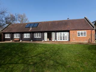 Barton Estate Lake Cottage, Whippingham