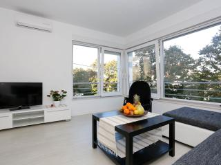 Deluxe Apartment Goya2 - near the Beach & Old Town, Zadar