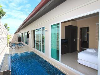 The Ville Resort Villa - 6Bedrooms (B13-14), Pattaya