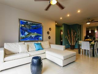 Beautiful Living In A Prime Downtown Location on 5th Avenue in Playa