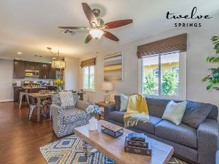 Chestnut; 3 bd/2 ba home w/ pool; You will fall in love!, Anaheim
