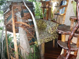 TREE HOUSE Christmas week  with discount /Sleeps 2-8/Ocean/Pool/King-Queen, Puerto Jimenez