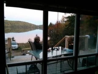 Barrys Bay cottage rental on private lake, Barry's Bay